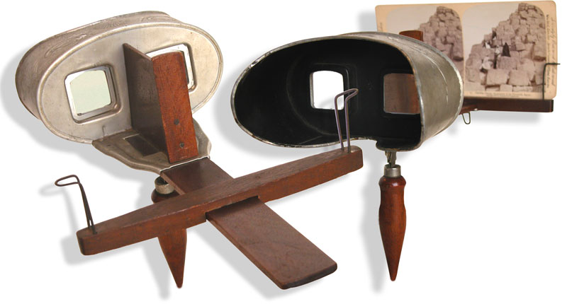 Stereoviewer made  by Underwood & Underwood of New York - click to enlarge.